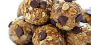 Guilt Free Peanut Butter & Chocolate Balls (No Bake)